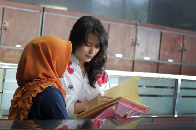 Foto: Melihat Risa Santoso Saat Bertugas sebagai Rektor di ITB Asia (440585)