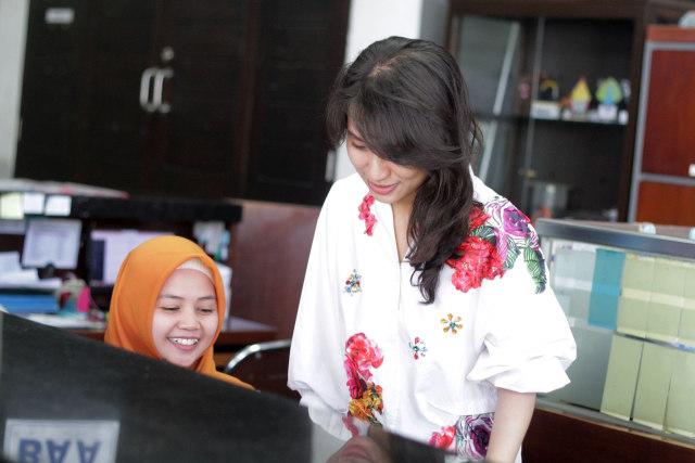 Foto: Melihat Risa Santoso Saat Bertugas sebagai Rektor di ITB Asia (440586)