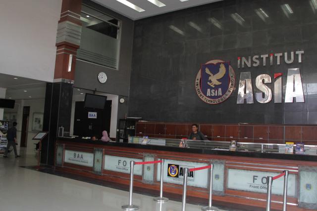 Foto: Melihat Risa Santoso Saat Bertugas sebagai Rektor di ITB Asia (440587)