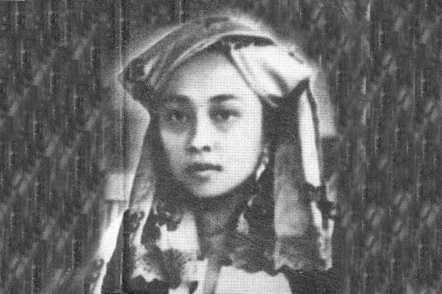 Jurnalis perempuan pertama di Indonesia, Roehana Koeddoes