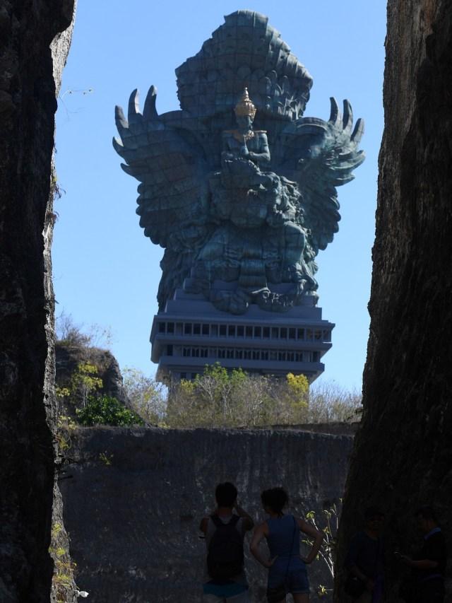 Patung Garuda Wisnu Kencana, POTRAIT