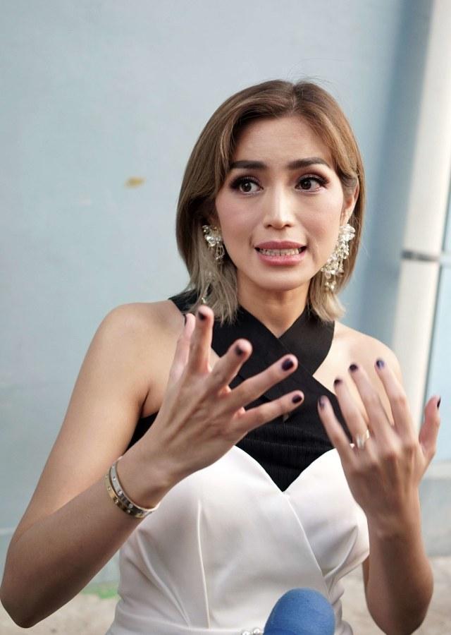 Leher Membengkak Akibat Hipertiroid, Jessica Iskandar Didoakan Cepat Sembuh (45062)