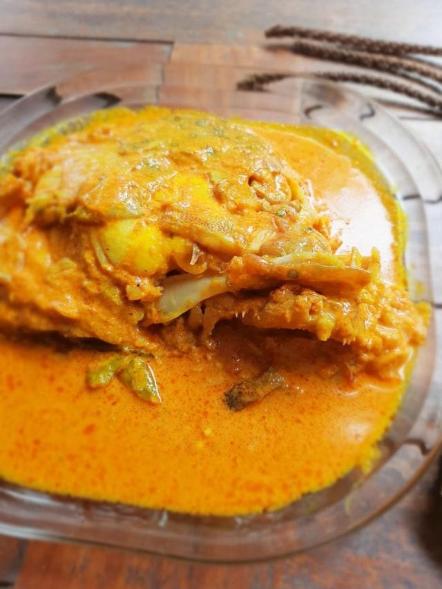 Resep Makanan Keluarga: Gulai Kepala Ikan Kakap Kuah Susu (1226102)