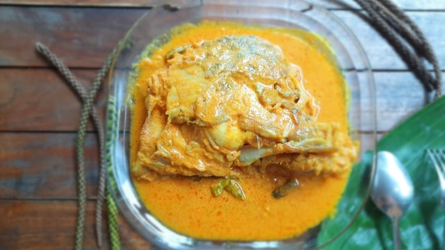 Resep Makanan Keluarga: Gulai Kepala Ikan Kakap Kuah Susu (1226105)