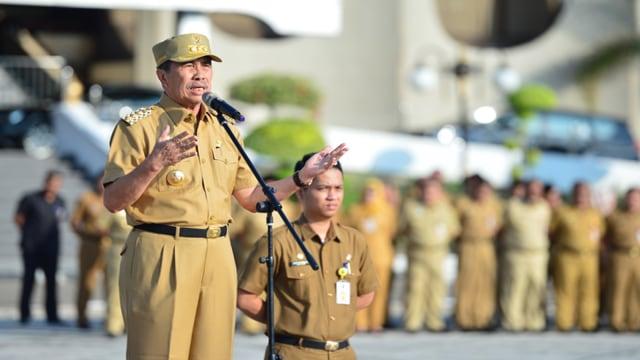 Gubernur Riau Syamsuar1.jpg