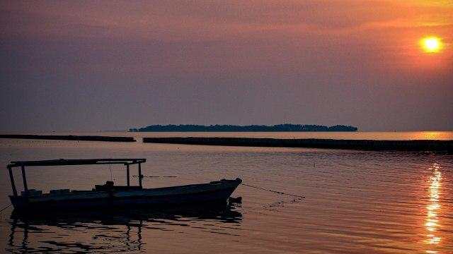 Sunset di Pulau Pramuka, Kepulauan Seribu