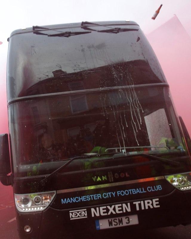Klopp Berharap Tak Ada Lagi Serangan terhadap Bus Man City (773581)