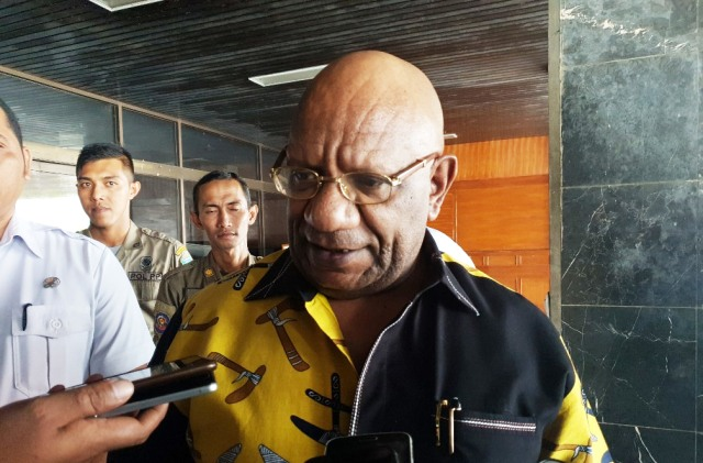 Wakil Gubernur Papua Klemen Tinal-Foto Pratiwi.jpg