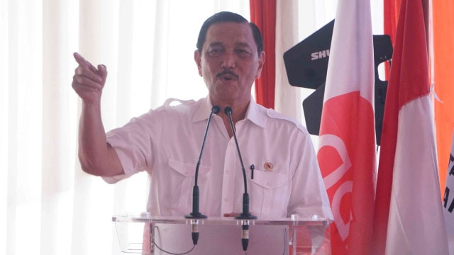 Luhut soal Wadirut PLN Darmawan Prasodjo: Dia Memenuhi Syarat (130890)