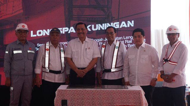 LRT, Seremonial Pengecoran Closure, Kuningan