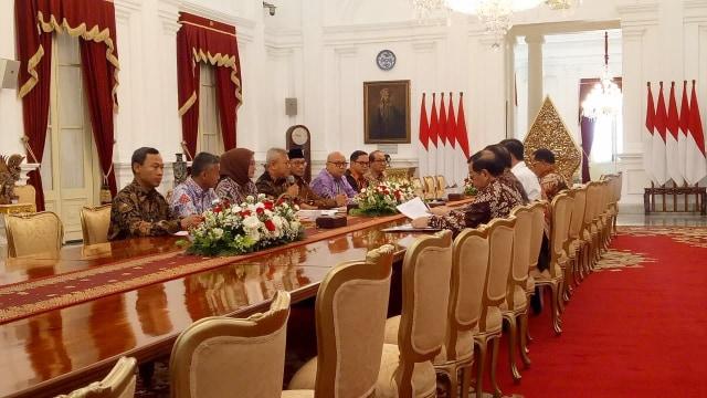 Bertemu Jokowi, KPU Lapor Pemilu 2019 dan Rencana Pilkada 2020 (1140807)