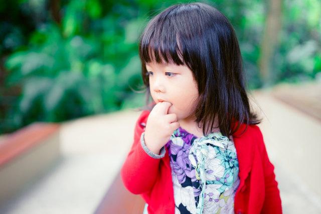 Cara Hentikan Kebiasaan Gigit Kuku pada Anak (95904)