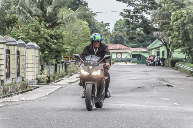Riding dengan Komunitas Motor di Sintang, Jarot Promosikan Bukit Kelam (725882)