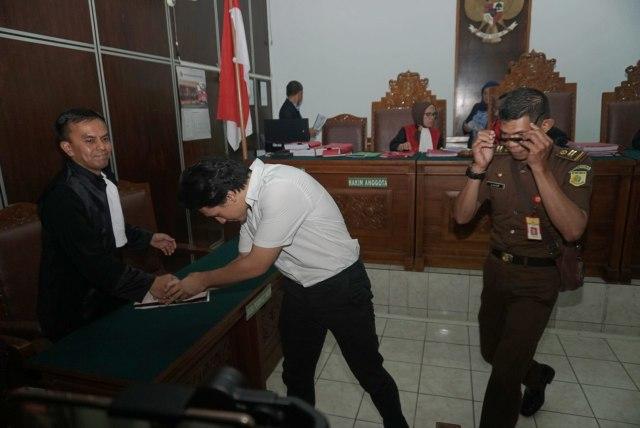Foto: Jefri Nichol Divonis Tujuh Bulan Rehabilitasi (34937)
