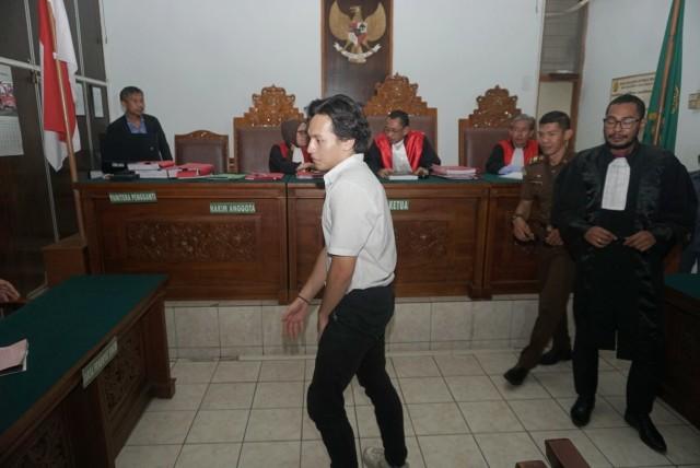 Foto: Jefri Nichol Divonis Tujuh Bulan Rehabilitasi (34936)