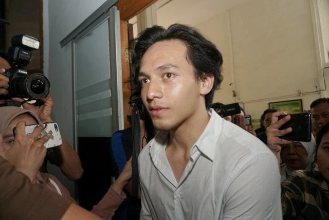 Foto: Jefri Nichol Divonis Tujuh Bulan Rehabilitasi (34929)
