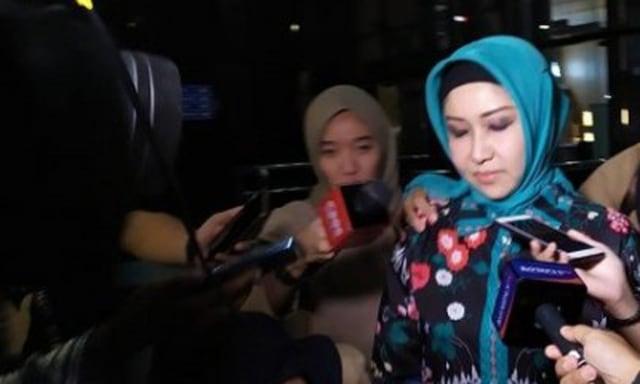 Usai Diperiksa KPK Sebagai Saksi, Istri Wali Kota Medan Bungkam (116791)
