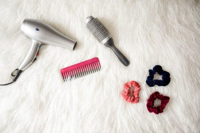 Cara Memilih Hair Dryer Berdasarkan Jenis Rambut (250891)