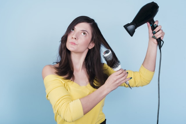 Cara Memilih Hair Dryer Berdasarkan Jenis Rambut (26515)