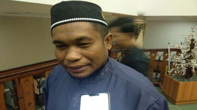 Sekretaris MUI Riau Zulhusni Domo.jpg