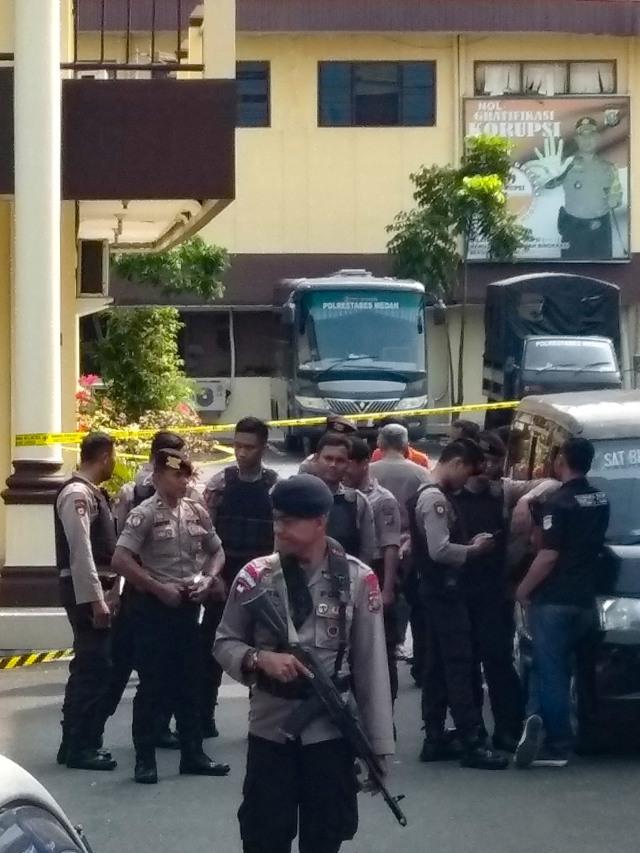 Fakta-fakta Bom Bunuh Diri di Polrestabes Medan (4080)