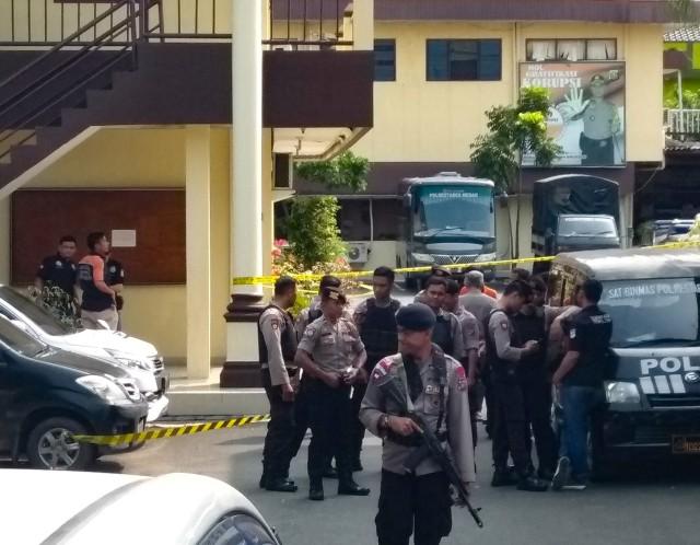 Fakta-fakta Bom Bunuh Diri di Polrestabes Medan (4082)