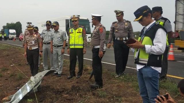 Sopir Bus Sinar Jaya Jadi Tersangka Tabrakan Maut di Tol Cipali KM 117 (50417)