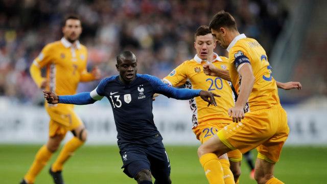 Presiden Prancis Doakan N'Golo Kante Raih Ballon d'Or (275460)