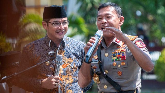 Aksi Kapolri Idham Azis Nyanyi Lagu 'Bongkar' Bareng Pasha (68241)