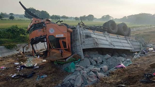 Ingat, Ini Penyebab Truk dan Bus Sering Kecelakaan, Waspada di Sekitarnya (868446)