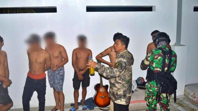 TNI-Polri di Gorontalo Amankan 13 Remaja yang Mabuk Lem (123253)
