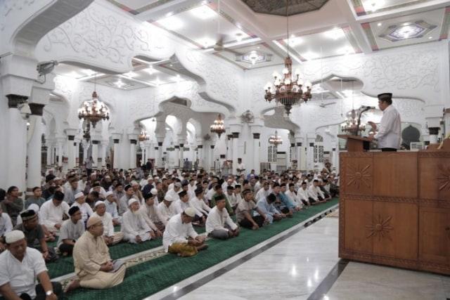 menag fachrul razi ceramah subuh di masjid raya baiturrahman.jpg