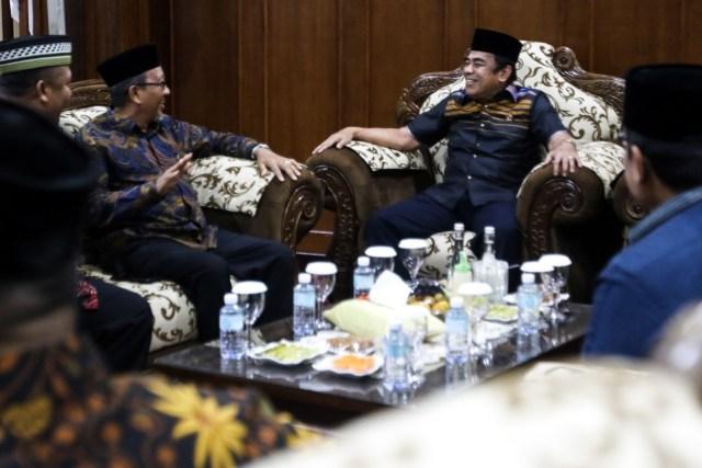 Saweu Gampong Bertemu Ulama Menag Fachrul Razi Tiba di Aceh.jpeg