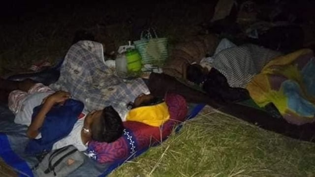 Foto: Pascagempa, Warga Ternate Masih Bertahan di Tenda Pengungsian (498162)