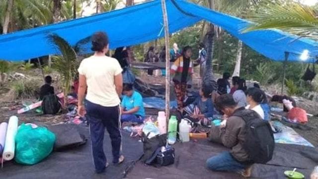 Foto: Pascagempa, Warga Ternate Masih Bertahan di Tenda Pengungsian (498167)