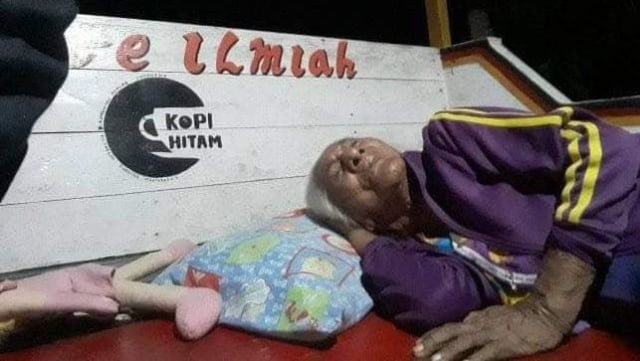 Foto: Pascagempa, Warga Ternate Masih Bertahan di Tenda Pengungsian (498164)