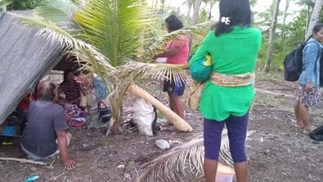 Foto: Pascagempa, Warga Ternate Masih Bertahan di Tenda Pengungsian (498163)