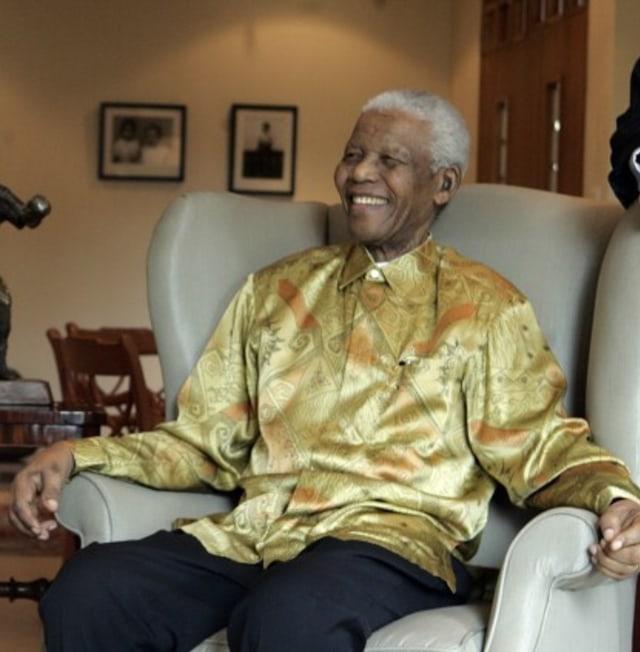 Nelson_Mandela_(cropped).jpg
