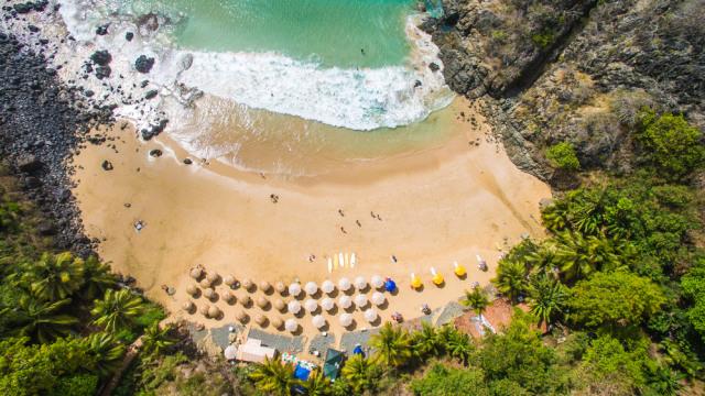 Pulau Terindah di Brasil ini Dibuka Lagi Hanya untuk Warga Positif Virus Corona (1)