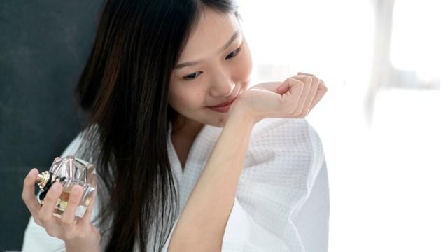 Bantu Pasien COVID-19 Kembalikan Penciuman, Ahli Parfum Buat Terapi Wewangian (401136)