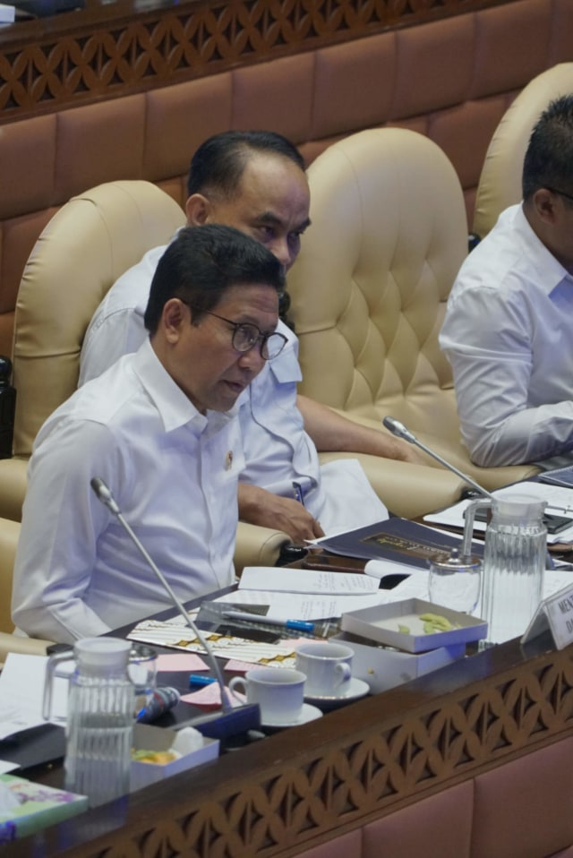Abdul Halim Iskandar DPR RI, POTRAIT