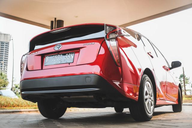 Mencoba Prius Hybrid di Jalan Jakarta, Bebas Ganjil Genap?  (145623)