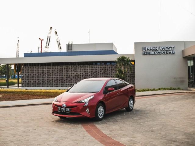 Mencoba Prius Hybrid di Jalan Jakarta, Bebas Ganjil Genap?  (145604)