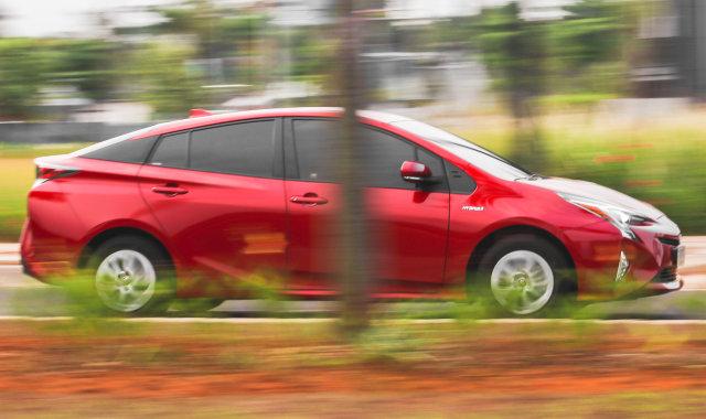 Mencoba Prius Hybrid di Jalan Jakarta, Bebas Ganjil Genap?  (145598)