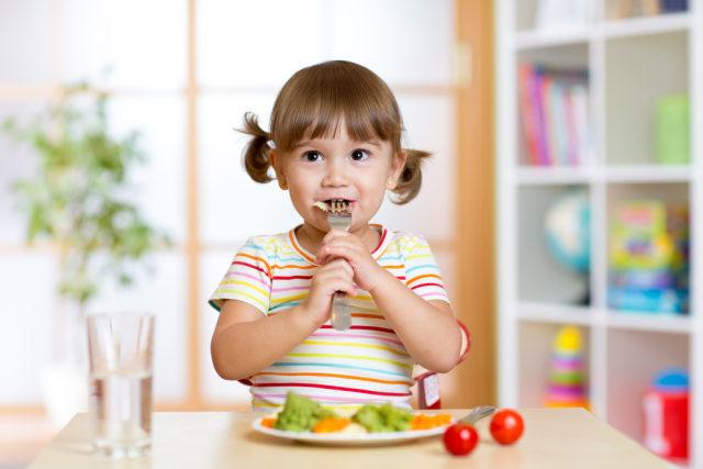 Bolehkah Menerapkan Pola Makan Vegan untuk Anak? (25171)