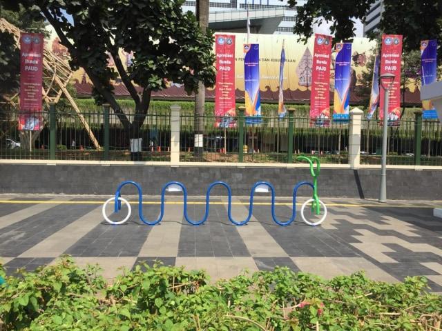 Makin Nyaman Bersepeda di Jalur Sepeda Jakarta (68448)