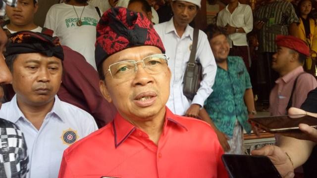 DPD PDIP Bali Ikut Laporkan Aksi Pembakaran Bendera Partainya ke Polisi (7556)