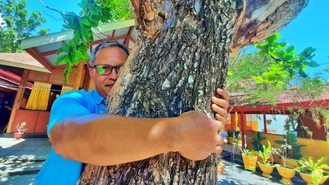 Memeluk Pohon: Merayakan Hari Pohon Sedunia ala Gorontalo (64890)