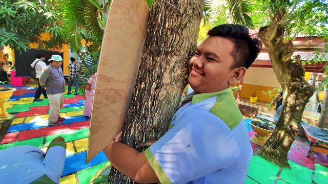Memeluk Pohon: Merayakan Hari Pohon Sedunia ala Gorontalo (64894)