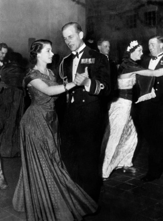 Romantis! Ini Panggilan Sayang Pangeran Philip untuk Ratu Elizabeth II (224582)